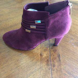 bella vita women burgundy booties size 8